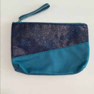 FREE WITH PURCHASE Blue ipsy Cosmetic Bag